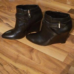 Ann Taylor Size 7.5 Black Ankle Boots